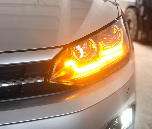 Scheinwerfer schwarz mit dynamischem Led-Blinker VW Polo AW MK6 2017+