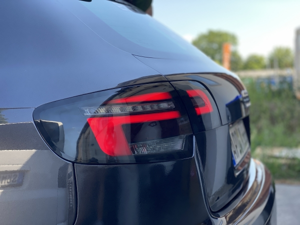 Audi A3 8P Sportback 04-08 Lightbar LED Rückleuchten schwarz rauch in 8V-Facelift-Optik